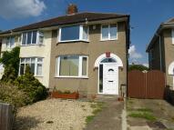3 bedroom semi detached home to rent in Glebelands, Headington...