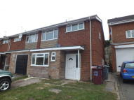 4 bed semi detached house in Berkeley Avenue, Reading