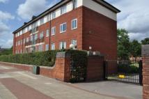 2 bedroom Flat to rent in Redmires Court Eccles...