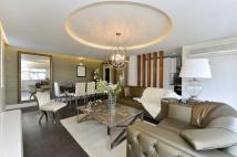 3 bedroom Flat for sale in The Quadrangle, London
