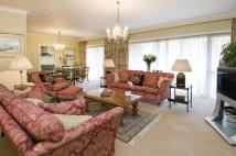 3 bed Flat to rent in Park Lane, Mayfair