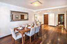 3 bed Flat to rent in Hyde Park Towers...