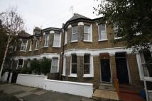 2 bed house in Kings Road, Middlesex