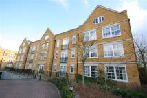 3 bed Flat to rent in Holme Court, Isleworth