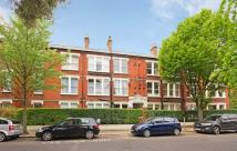 3 bedroom Flat in Heatherdene Mansions...