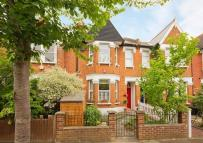 4 bedroom property in Gordon Avenue...
