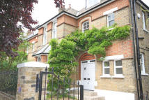 5 bedroom property in Netherton Road...