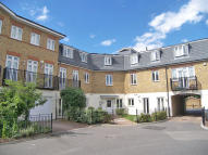 2 bedroom Flat to rent in Elizabeth Gardens...