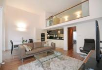 2 bed Apartment to rent in Queens Gardens...