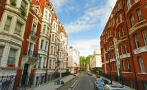 3 bedroom Flat in Bury Place, London, WC1A