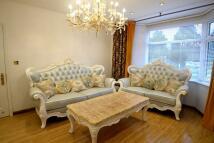 4 bed semi detached property to rent in Gunnersbury Avenue...