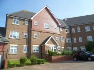 2 bed Flat in Gravelly Field, Ashford...