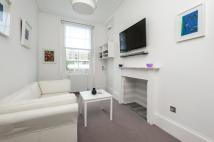 Flat in CLAVERTON STREET, SW1V