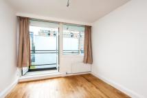 Flat to rent in CHURCHILL GARDENS, SW1V