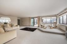 Flat to rent in GROSVENOR ROAD, SW1V