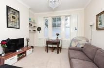 Flat to rent in SUTHERLAND STREET, SW1V