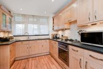 3 bedroom Maisonette to rent in Woking Close, SW15
