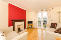 Flat to rent in Grena Road, Richmond