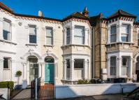 4 bedroom house in THIRSK ROAD, SW11