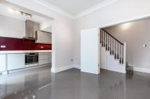 3 bedroom Flat to rent in MARCILLY ROAD, SW18