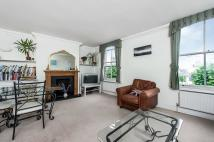 Flat in ST. JOHN'S HILL, SW11