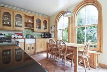 Flat to rent in WANDSWORTH COMMON, SW18