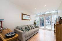 Bungalow to rent in LYNCOTT CRESCENT, SW4