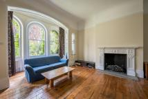 Flat in WANDSWORTH COMMON, SW18