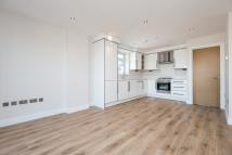 2 bed Flat in LAVENDER HILL, SW11