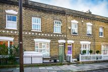3 bed property in ROBERTSON STREET, SW8 3TZ