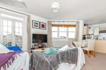 2 bedroom Apartment to rent in VICTORIA RISE, SW4