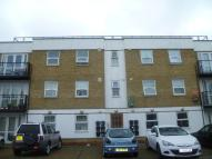 Flat to rent in Wellington Road, London...