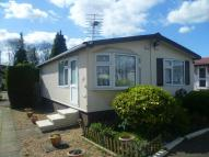 2 bed property in Chertsey Lane...