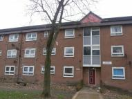 3 bedroom Flat in Rochdale Road, Oldham...