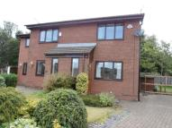 2 bed semi detached house to rent in Chelsea Close, Shaw...
