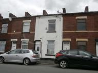 2 bedroom property in Rochdale Road, Royton...