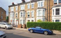 Flat to rent in Saltram Crescent...