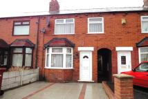 3 bedroom semi detached house to rent in Gilbert Road, Whiston...