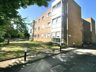2 bedroom Ground Flat to rent in Highview Road, Sidcup...