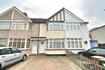 2 bedroom Terraced home for sale in Oaklands Avenue, Sidcup...