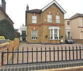 5 bedroom Detached house in Elm Road, Sidcup, DA14