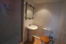 Studio flat to rent in Dover Road, Northfleet...