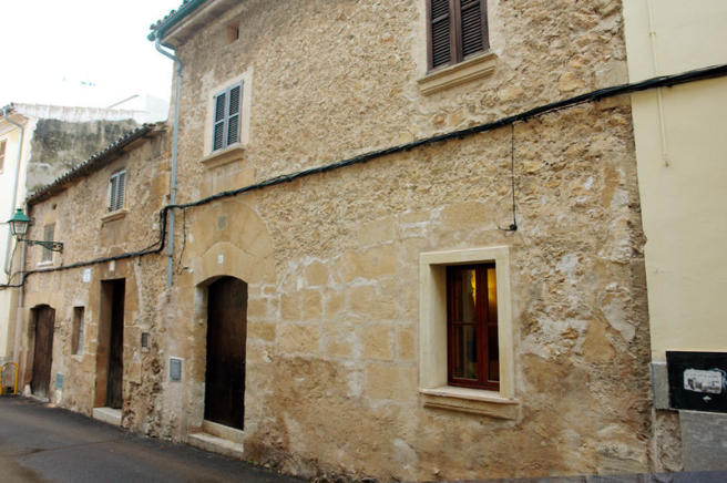 Very quaint townhouse in Pollensa old town