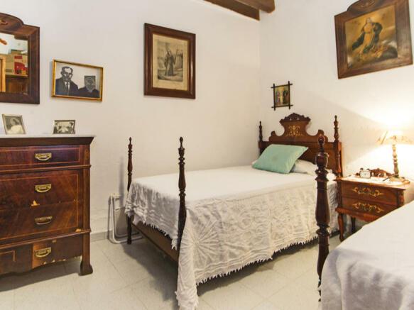 Downstair bedroom / office