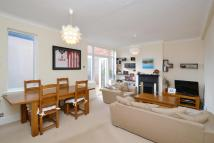 2 bedroom Flat for sale in Upper Richmond Road West...