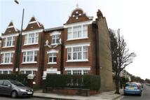 3 bedroom Flat in Cowley Mansions, Mortlake