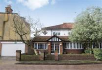 4 bedroom Detached property in Cedars Road, Barnes