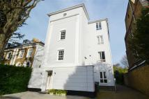 2 bedroom Flat in Castelnau, Barnes
