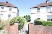 2 bedroom Flat in Masefield Crescent...