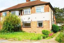 2 bed Maisonette to rent in Fullwell Avenue...